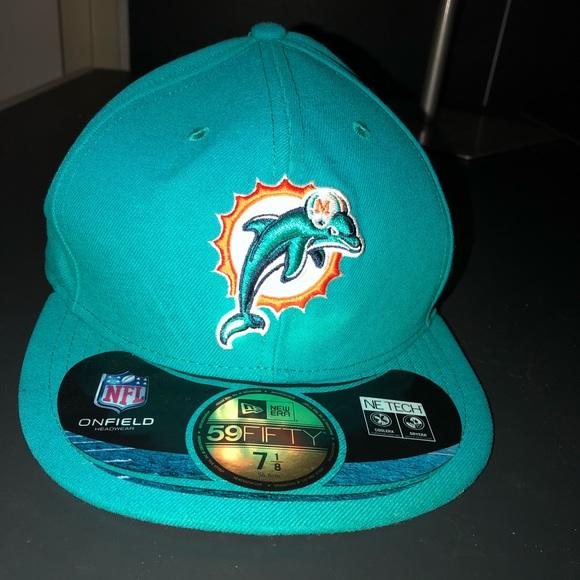 a4529ce88ba NWT Miami Dolphins NFL 7 1 8 56.8CM